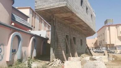 مبنى بر ابو عريش تفاصيل المبنى الغرئب في المملكة العربية السعودية